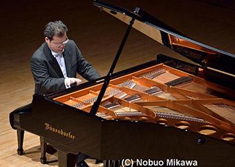 吉泉善太(ピアノ)